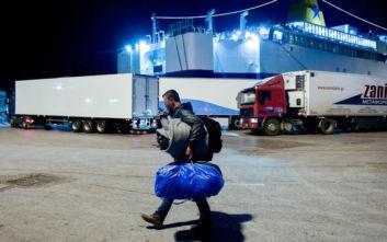 Το ΑΜΚΑ αντικαθίσταται με τον προσωρινό αριθμό ασφάλισης για τους αιτούντες άσυλο