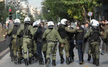 Επεισόδια στην ΑΣΟΕΕ: Δύο τραυματίες αστυνομικοί και τρεις προσαγωγές