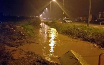 Καβάλα: Απεγκλωβίστηκαν δύο παιδιά από το πλημμυρισμένο σπίτι τους