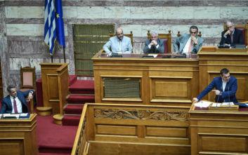 Ο Μητσοτάκης απαντά στις ερωτήσεις Τσίπρα – Γεννηματά στη Βουλή