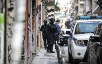 Σε εξέλιξη αστυνομική επιχείρηση στα Εξάρχεια, προς εκκένωση κτίριο στην Καλλιδρομίου