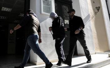 Έγκλημα στα Μέγαρα: Προφυλακίστηκε ο σωφρονιστικός υπάλληλος, «ήθελα να αυτοκτονήσω»