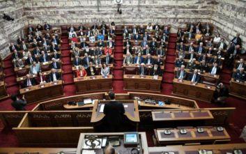 Ελλάδα 2021: Πανηγυρική έναρξη στη Βουλή, τι δήλωσαν Αγγελοπούλου - Μητσοτάκης