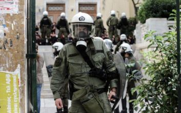 Πολυτεχνείο: Πορεία από αντιεξουσιαστές, κλειστή η Πατησίων στο ύψος της ΑΣΟΕΕ