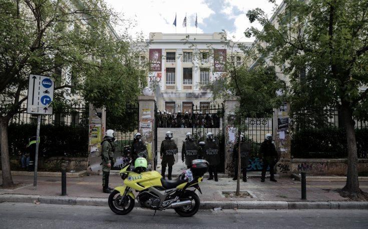 ΚΝΕ: Παραβίαση του πανεπιστημιακού ασύλου και καταστολή φοιτητών στην ΑΣΟΕΕ
