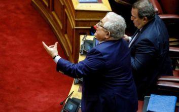 Αντιπαράθεση ΝΔ - ΣΥΡΙΖΑ για το άρθρο περί ευθύνης υπουργών