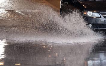 Κυκλοφοριακό χάος από την καταιγίδα στην Αθήνα: Έκλεισε η Πειραιώς