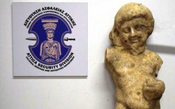 Σύλληψη αρχαιοκάπηλου στη Μεσσηνία με άγαλμα τεράστιας αξίας