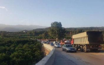 Κακοκαιρία Βικτώρια: Μεγάλο μποτιλιάρισμα στη γέφυρα Μπέλεϋ στην Κρήτη