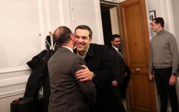 Αλέξης Τσίπρας - Φρανσουά Ολάντ: «Θερμή» συνάντηση με αγκαλιές