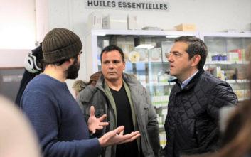 Η ξενάγηση του Αλέξη Τσίπρα σε συνεργατικό σούπερ μάρκετ στο Παρίσι
