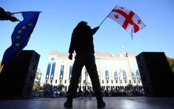 ΗΠΑ και ΕΕ στηρίζουν τους αντικυβερνητικούς διαδηλωτές στη Γεωργία