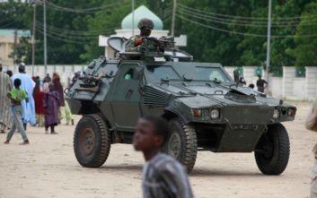 Επίθεση σε αυτοκινητοπομπή στη Νιγηρία: Τουλάχιστον 10 νεκροί στρατιώτες