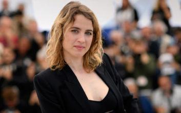 Η Αντέλ Ενέλ μηνύει τον σκηνοθέτη που φέρεται να την παρενόχλησε σεξουαλικά στα 12 της