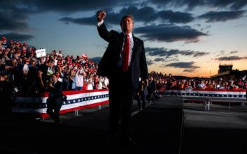 «Μαύρα σύννεφα» πάνω από τον Τραμπ εξαιτίας νέας μήνυσης εις βάρος του