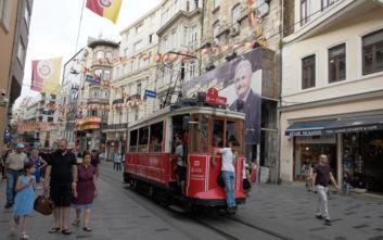 Μυστηριώδης ευεργέτης αποπληρώνει τα χρέη των φτωχών κατοίκων σε γειτονιές της Κωνσταντινούπολης