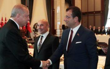 Ιμάμογλου: Οι κρατικές τράπεζες σταμάτησαν να δίνουν δάνεια στο δήμο της Κωνσταντινούπολης