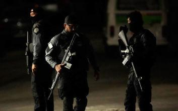 Βραζιλία: Ένοπλος κρατάει 5 ομήρους σε μπαρ