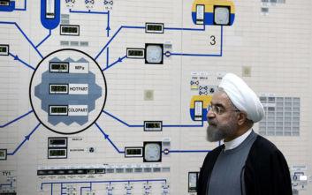 Απομακρύνεται από τις δεσμεύσεις της για τα πυρηνικά η Τεχεράνη