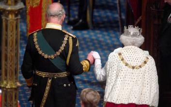 Η βασίλισσα Ελισάβετ εγκαταλείπει τον θρόνο της