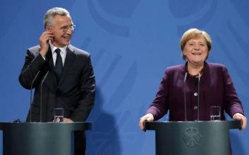 Η Μέρκελ «άδειασε» τον Μακρόν για το ΝΑΤΟ