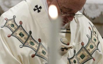 Ανησυχία του Πάπα Φραγκίσκου για «ομιλίες που θυμίζουν αυτές του Χίτλερ»
