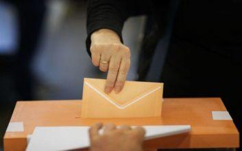 Τι δείχνει η πρώτη μετεκλογική δημοσκόπηση στην Ισπανία για Σοσιαλιστές, συντηρητικούς και ακροδεξιούς