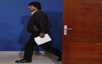 Σάλος με το ένταλμα σύλληψης του Έβο Μοράλες