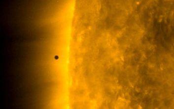 Εκπληκτικό βίντεο από τη βόλτα του Ερμή μπροστά από τον Ήλιο