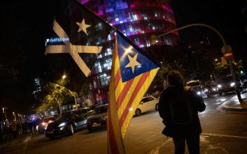 Ισπανία: Η αστυνομία εκκένωσε κατάληψη της πλατείας Ουνιβερσιτάτ στη Βαρκελώνη