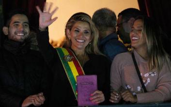 Προσβλήθηκε από κορονοϊό και η μεταβατική πρόεδρος της Βολιβίας