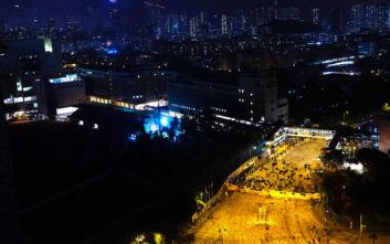 Παραλύει και σήμερα το Χονγκ Κονγκ, κλειστά σχολεία, πανεπιστήμια και δρόμοι