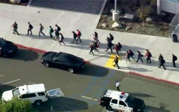 Επίθεση σε λύκειο στην Καλιφόρνια: «Υπάρχουν αρκετά θύματα»