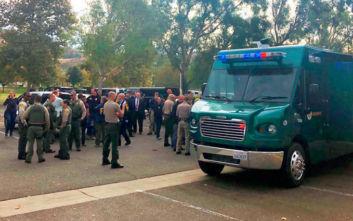 Επίθεση σε λύκειο στην Καλιφόρνια: Συνελήφθη και νοσηλεύεται τραυματισμένος ο ένοπλος
