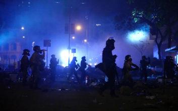Αερογραμμές της Ασίας διακόπτουν τις πτήσεις προς το Χονγκ Κονγκ καθώς μαίνονται οι ταραχές