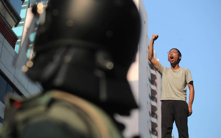 Απαγορεύτηκε η είσοδος στο Χονγκ Κονγκ του διευθυντή του Παρατηρητηρίου Ανθρωπίνων Δικαιωμάτων