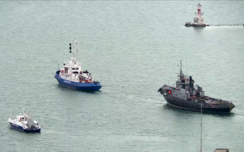 Η Ρωσία παρέδωσε στο Κίεβο τα τρία πολεμικά πλοία που είχε συλλάβει πέρυσι