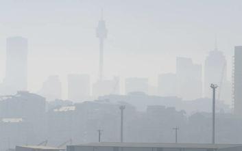 «Ορατότης μηδέν» στο Σίδνεϊ λόγω της φωτιάς