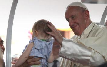 Πάπας: Προστατεύστε την αξιοπρέπεια των παιδιών