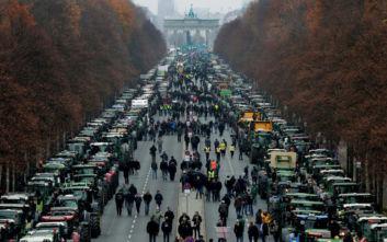 Χιλιάδες τρακτέρ «παρέλυσαν» το Βερολίνο