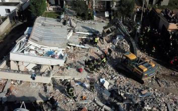 Φονικός σεισμός στην Αλβανία: Τουλάχιστον 31 νεκροί, αγώνας για οικογένειες εγκλωβισμένες στα συντρίμμια