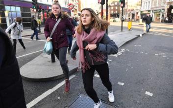 Πυροβολισμοί στο Λονδίνο: Επίθεση με μαχαίρι, μία σύλληψη και τραυματίες