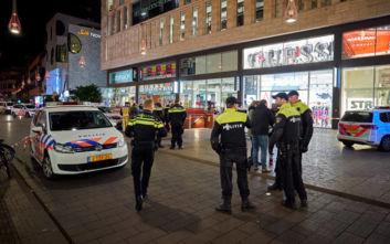 Επίθεση με μαχαίρι στη Χάγη: Στην αναζήτηση του δράστη η αστυνομία