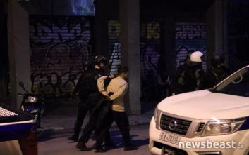 Πολυτεχνείο: Έφοδος της αστυνομίας και σε τρίτο κτίριο, 6 συλλήψεις στα Εξάρχεια