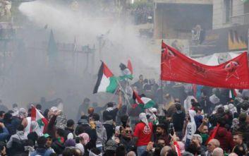 Η αμερικανική πρεσβεία στον Λίβανο ανακοίνωσε ότι υποστηρίζει το λαϊκό κίνημα διαμαρτυρίας
