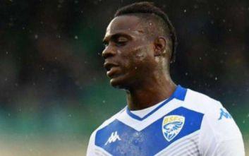 Έφυγε από το γήπεδο ο Μπαλοτέλι μετά από ρατσιστική επίθεση που δέχθηκε