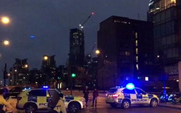 Συναγερμός στο Λονδίνο: «Έκλεισε» η γέφυρα Vauxhall λόγω ύποπτου αυτοκινήτου
