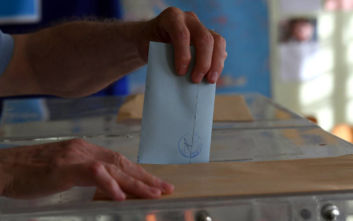 Δημοσκόπηση: Ποια είναι η διαφορά ανάμεσα σε ΝΔ και ΣΥΡΙΖΑ