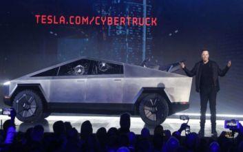 Ελον Μασκ: Παρά το φιάσκο, ανακοίνωσε ότι έχουν γίνει 146.000 παραγγελίες για το Cybertruck της Tesla