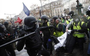 Οι γαλλικές αρχές απαγόρευσαν στα Κίτρινα Γιλέκα να διαδηλώσουν στο Σανζ Ελιζέ